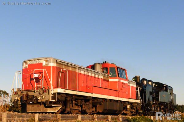 真岡鐵道C11配給列車、水郡線を行く