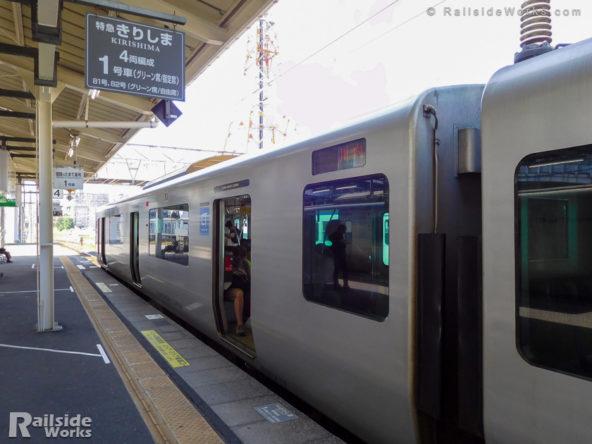 817系@鹿児島中央駅