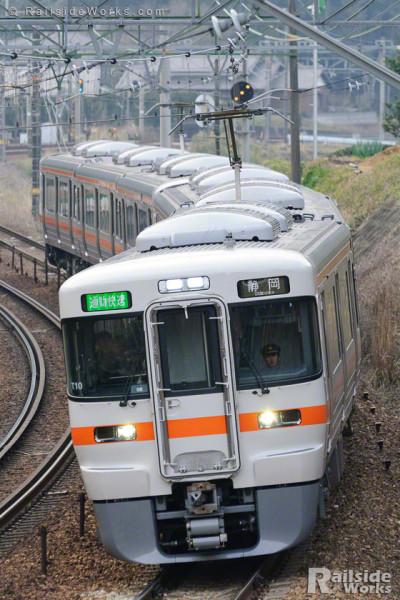 313系、通勤快速静岡行