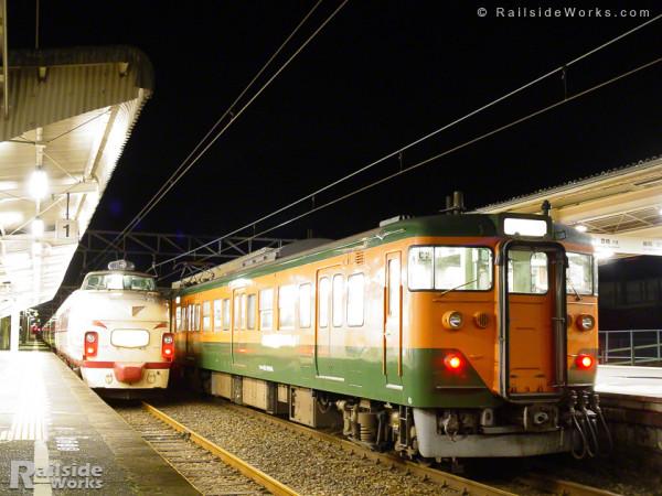国鉄色489系×湘南色113系