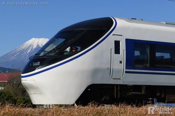 371系「特急あさぎり3号」、富士山を横目に御殿場線を駆ける