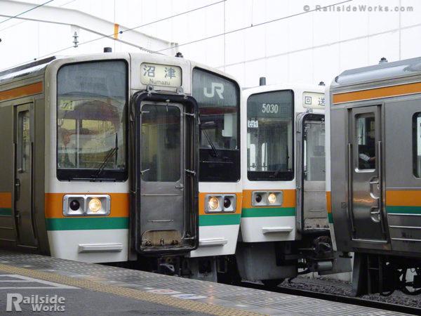大垣車両区211系C編成、静岡車両区への転属回送②